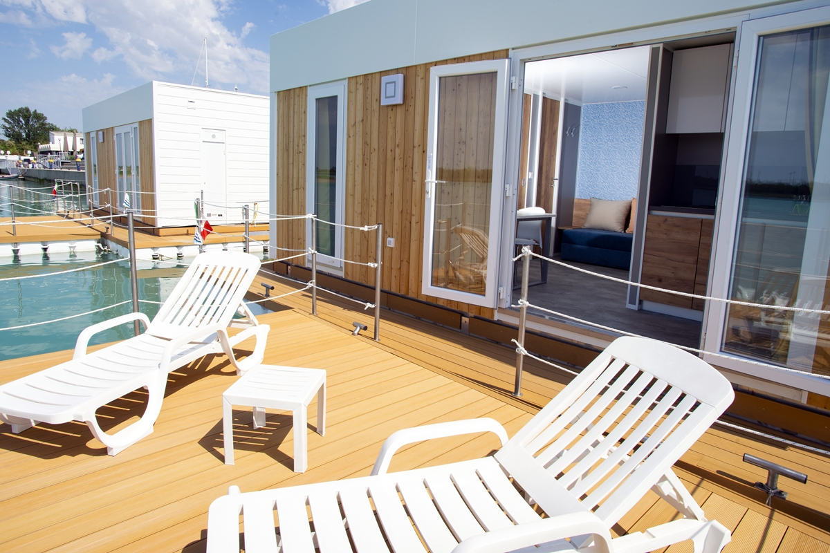 Floating Resort Lignano | Adria Holidays on kelly mobile home, swiss mobile home, apollo mobile home, tuscany mobile home, ford mobile home, bentley mobile home, piedmont mobile home, ace mobile home, pioneer mobile home, aurora mobile home,